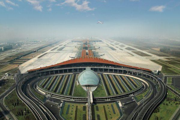 Beijings internationella flygplats 'Capital International Airport'. Världens andra mest trafikerade flygplats.
